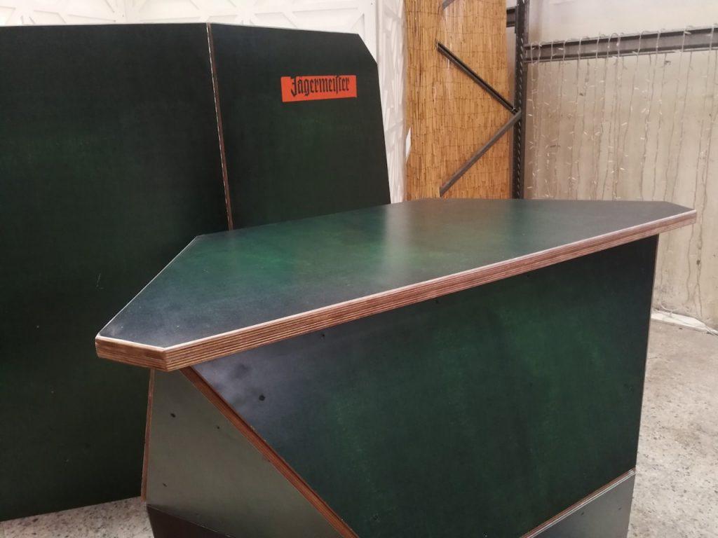 Mobiliarios y displays para Jagermeister