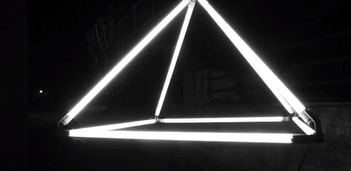 Intervenciones lumínicas con tubos LED